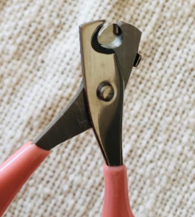 深爪防止機能付きの猫用爪切り